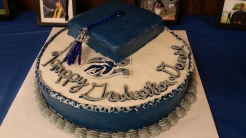 grad cake with cap